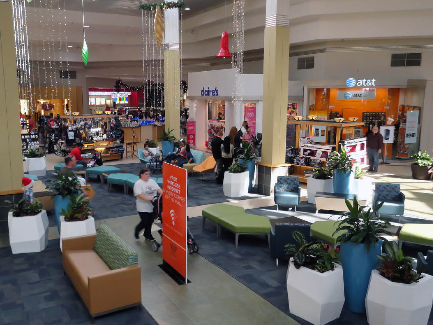Lakeland_Square_Mall_Interior