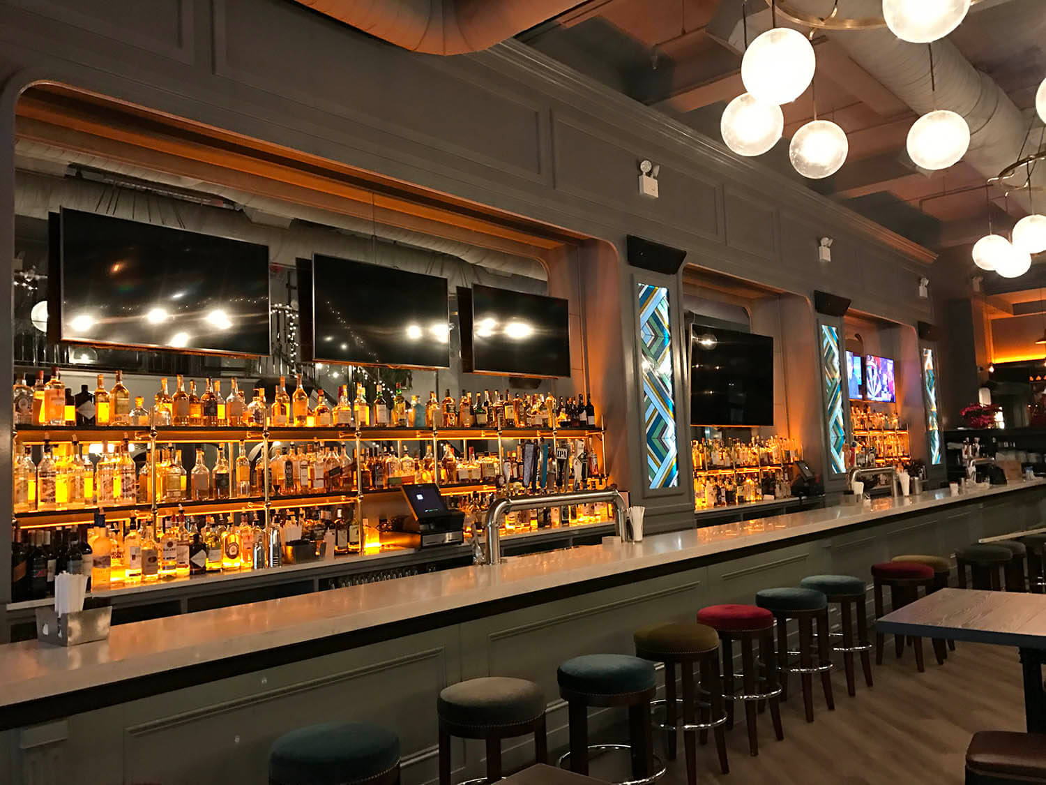 KLR Delivers Serious Power to Midtown Manhattan Pub | Ashly Audio